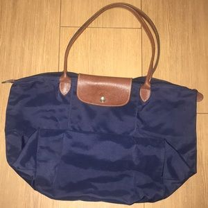 Longchamp Le pilage tote in navy size Large